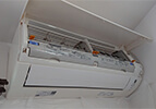 壁掛けお掃除機能付きエアコン