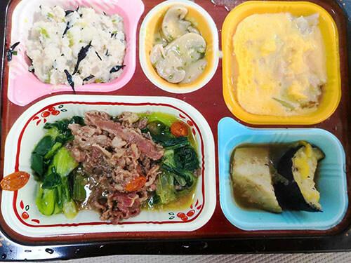 食宅便牛肉のXO醤炒めとツナと白菜の卵とじ