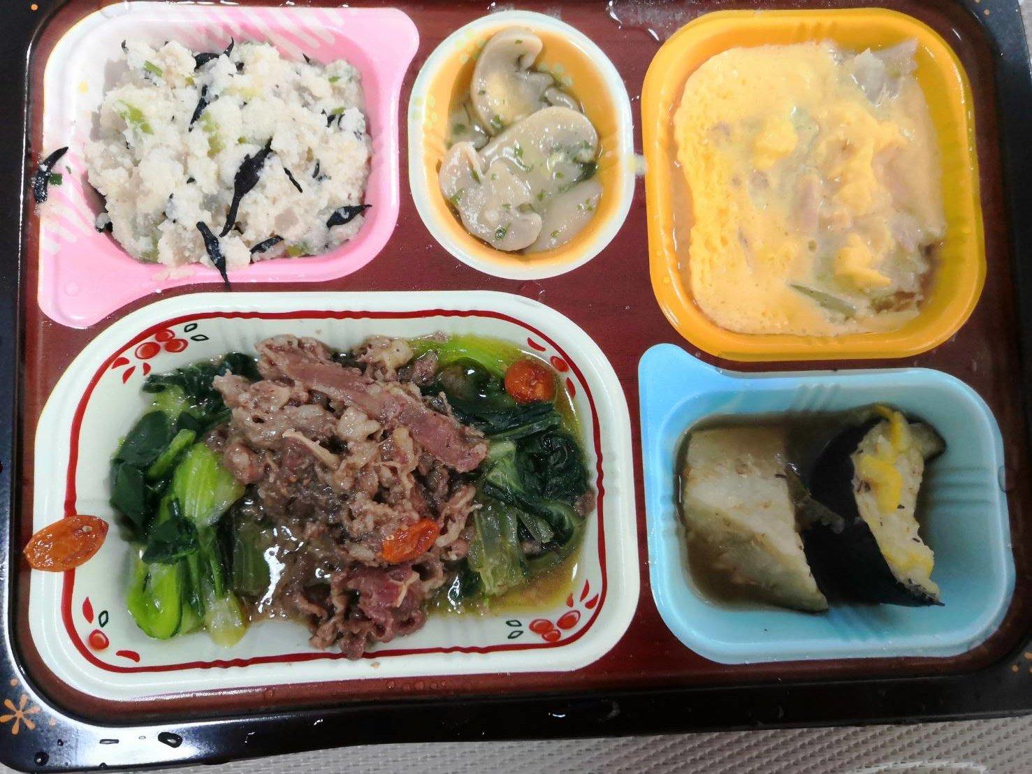 牛肉のXO醤炒めとツナと白菜の卵とじ